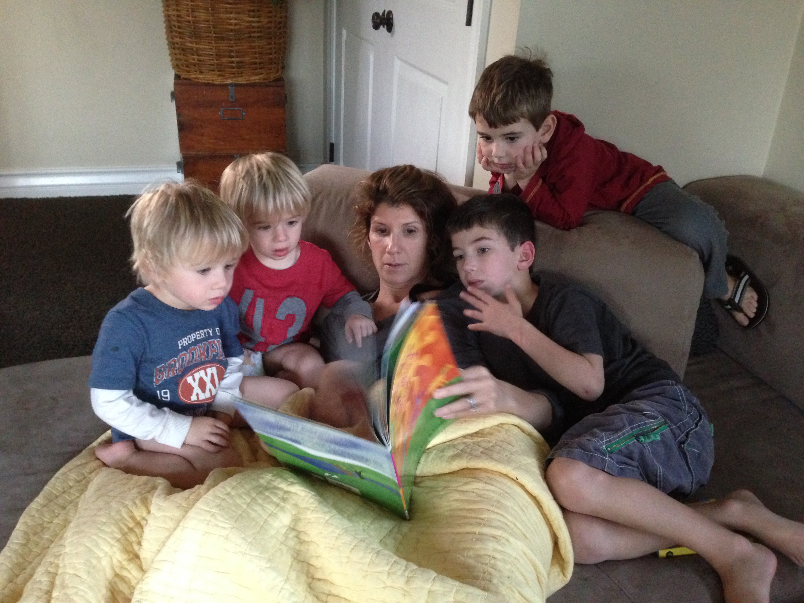 Jack Jonah Noah Gabriel and Donne Story time with mommy