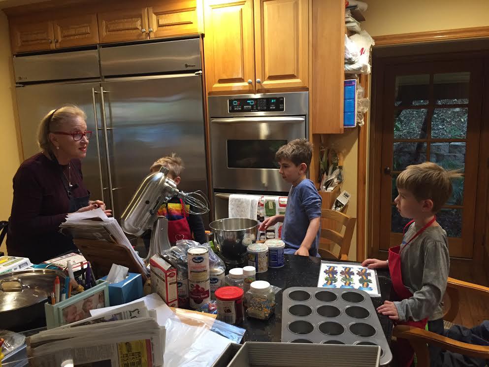 Noah Gabe Jonah and Grandma THanksgiving bake session 2015