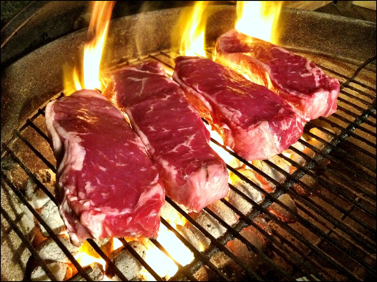 Grilling_Steaks on bbq